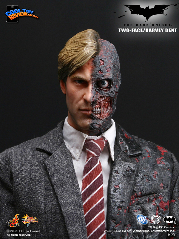 Hot Toys Harvey Dent/Two Face HT-TDK-Two-Face-03