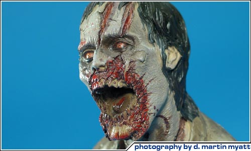 COOL TOY REVIEW: NECA 2011 SDCC Walking Dead Deer Eating ...