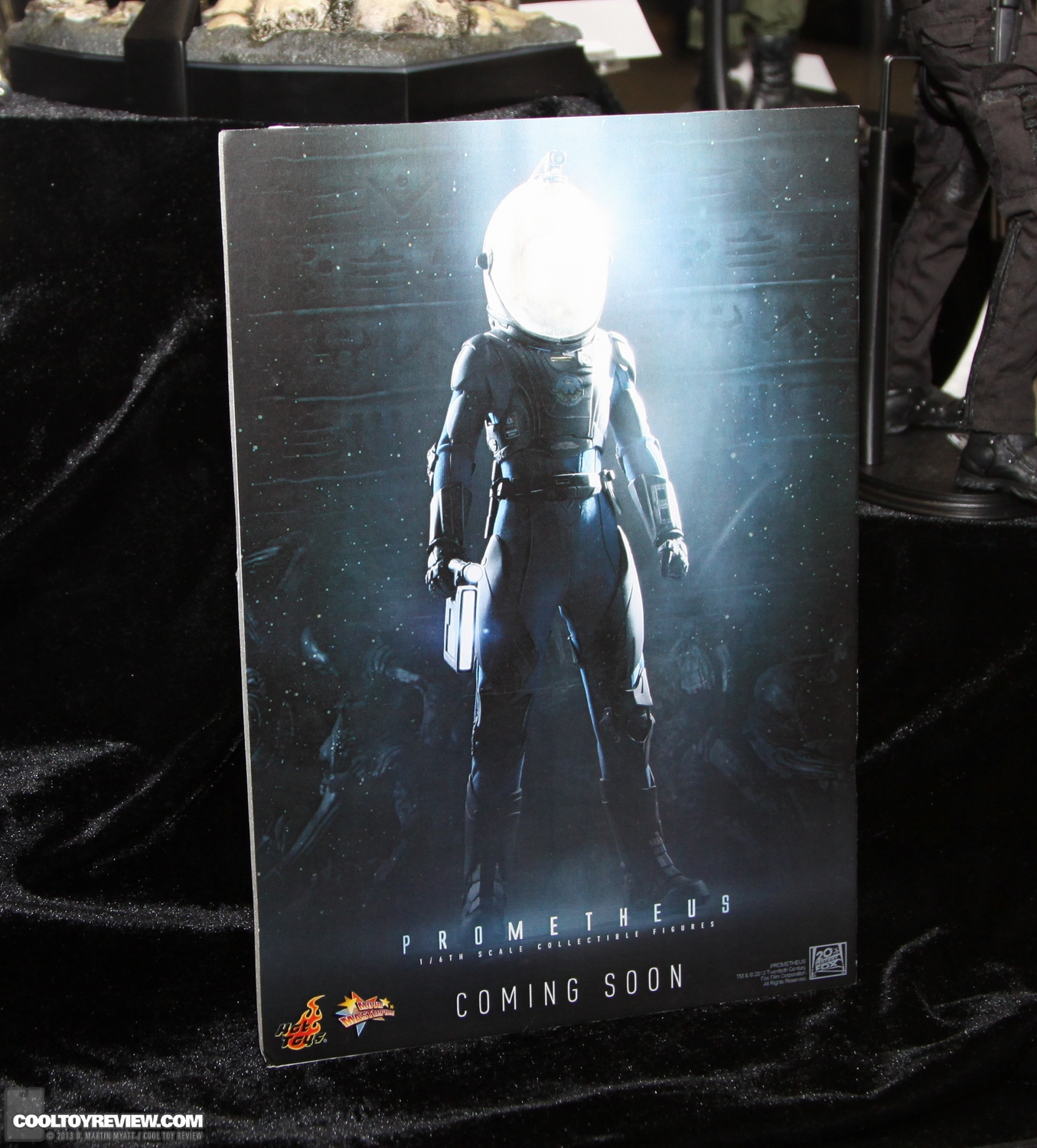 http://www.cooltoyreview.com/2013_SDCC/SDCC_2013_Hot_Toys_Saturday/SDCC_2013_Hot_Toys_Saturday-032.jpg