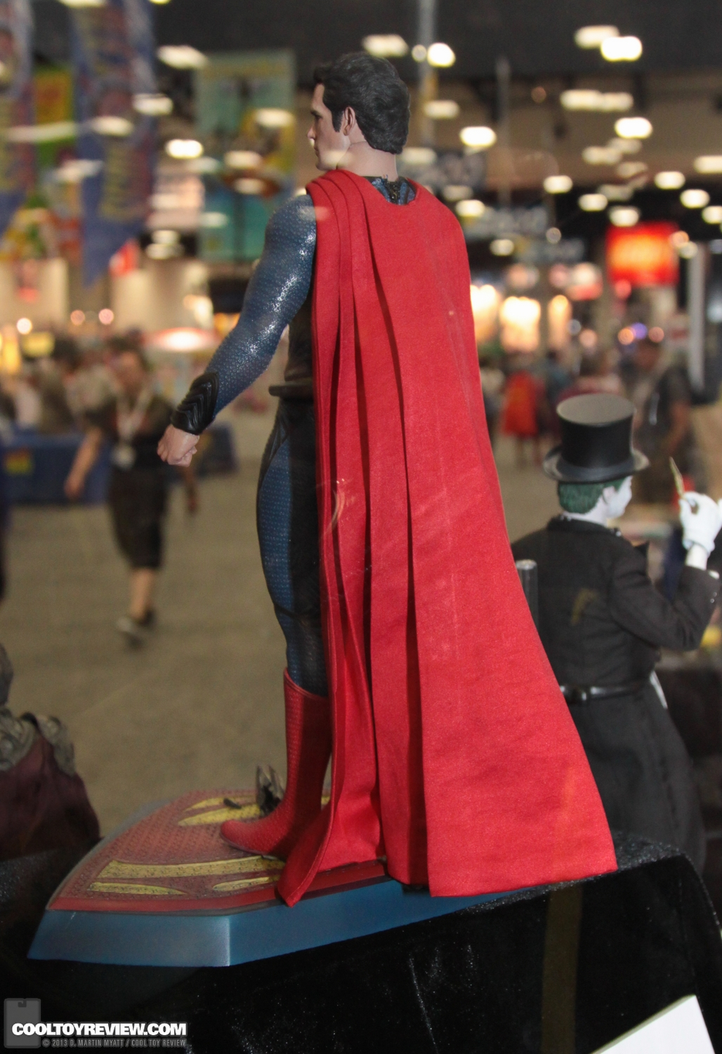MMS200 : Man of steel - Superman SDCC_2013_Hot_Toys_Thursday-097