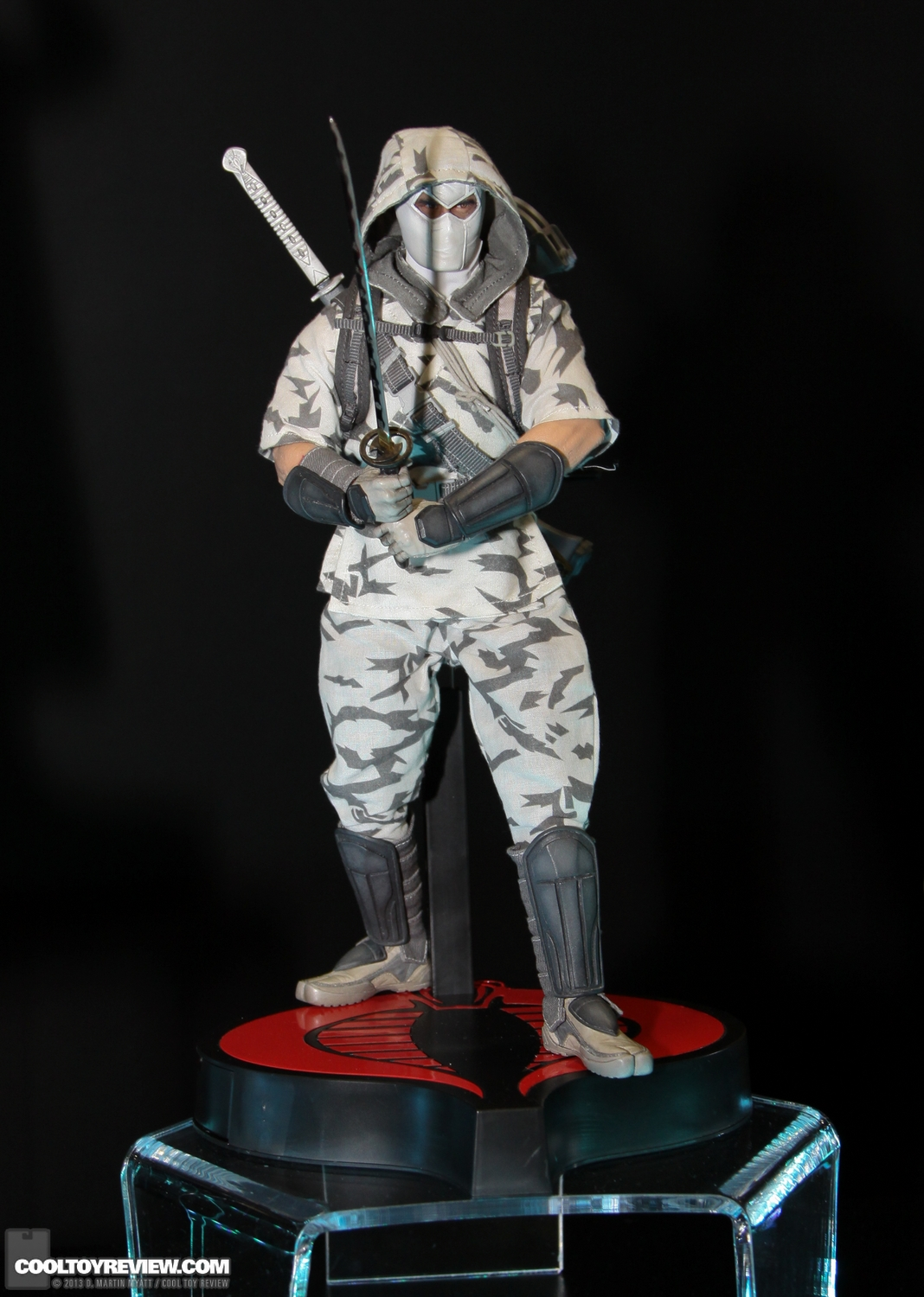 [Sideshow] G.I. Joe: Storm Shadow Sixth Scale Figure SDCC_2013_Sideshow_Collectibles_Wed-010