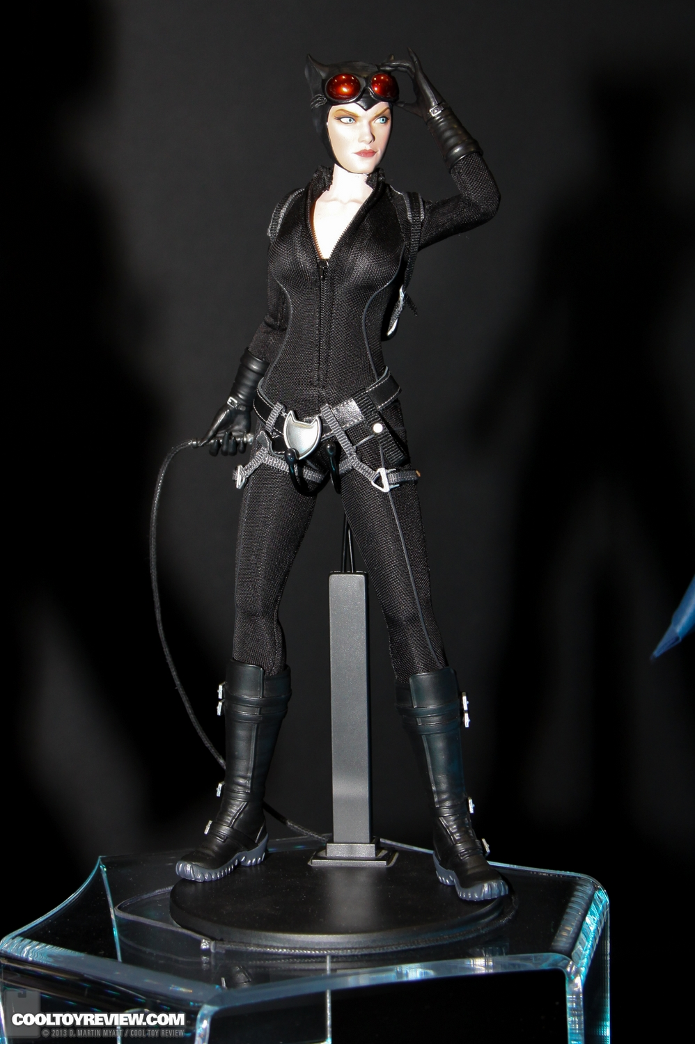 [Sideshow] DC Comics: Catwoman Sixth Scale Figure SDCC_2013_Sideshow_Collectibles_Wed-030