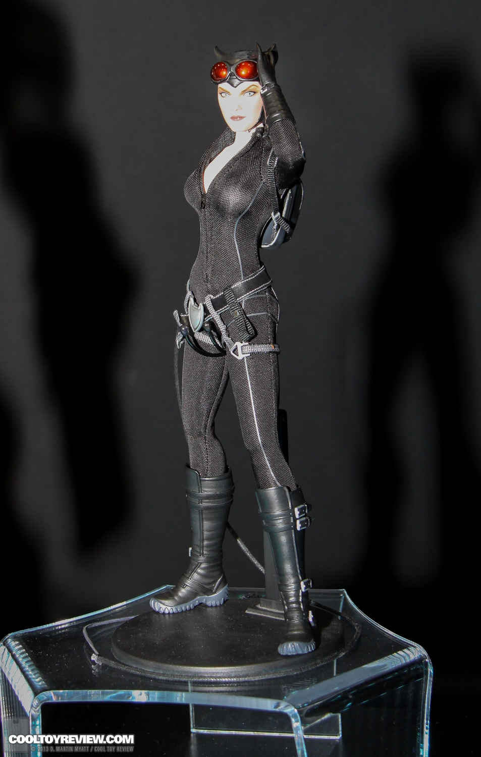 DC - CATWOMAN  SDCC_2013_Sideshow_Collectibles_Wed-031