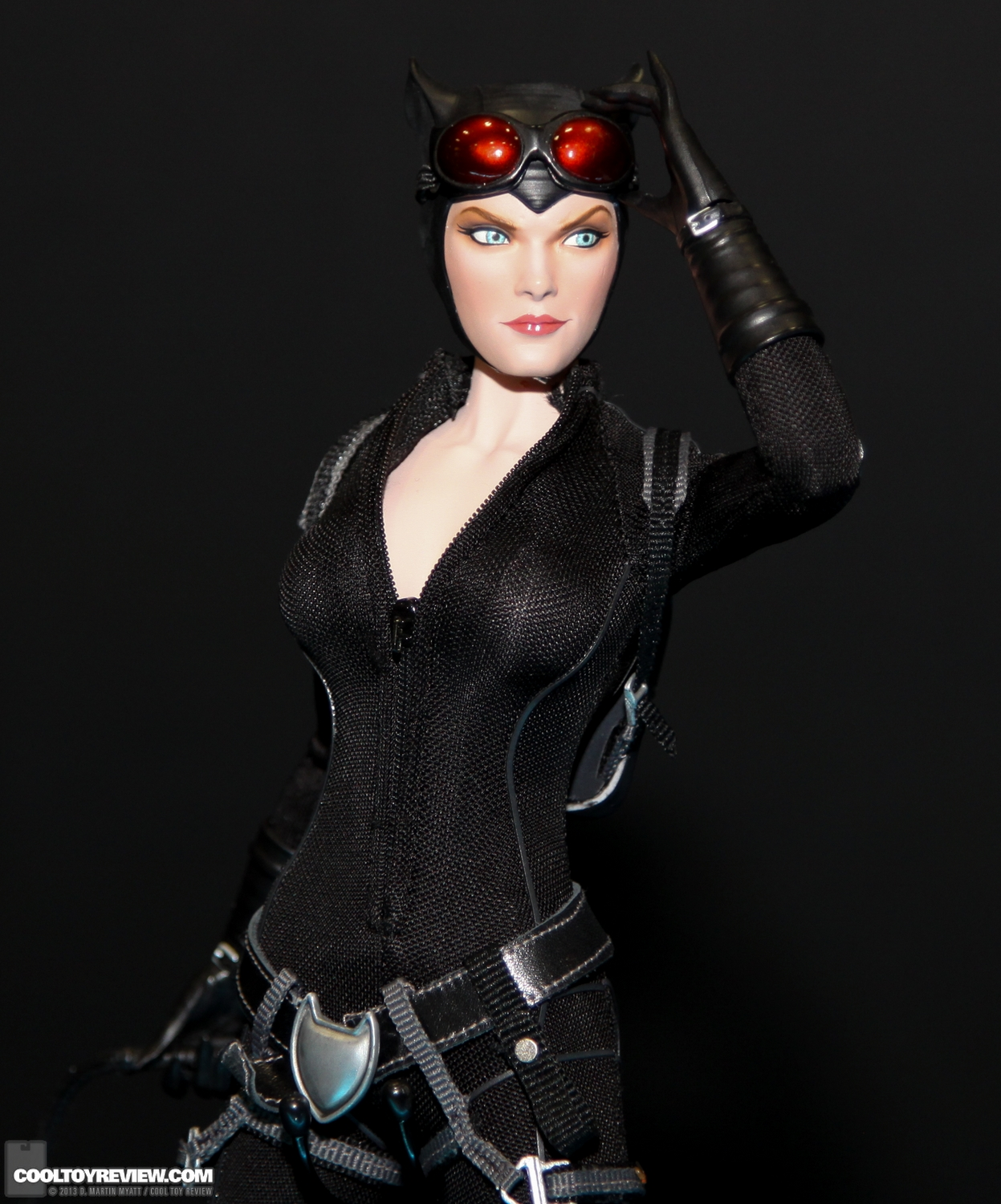 DC - CATWOMAN  SDCC_2013_Sideshow_Collectibles_Wed-032
