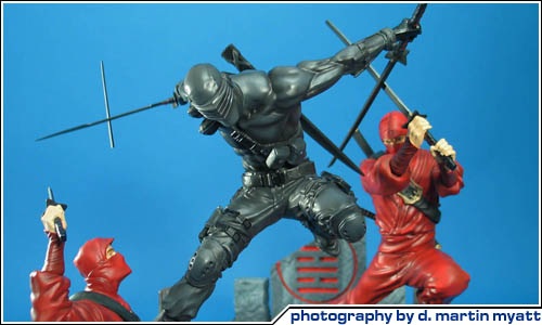 cool toy review sideshow collectibles g i joe snake eyes vs red