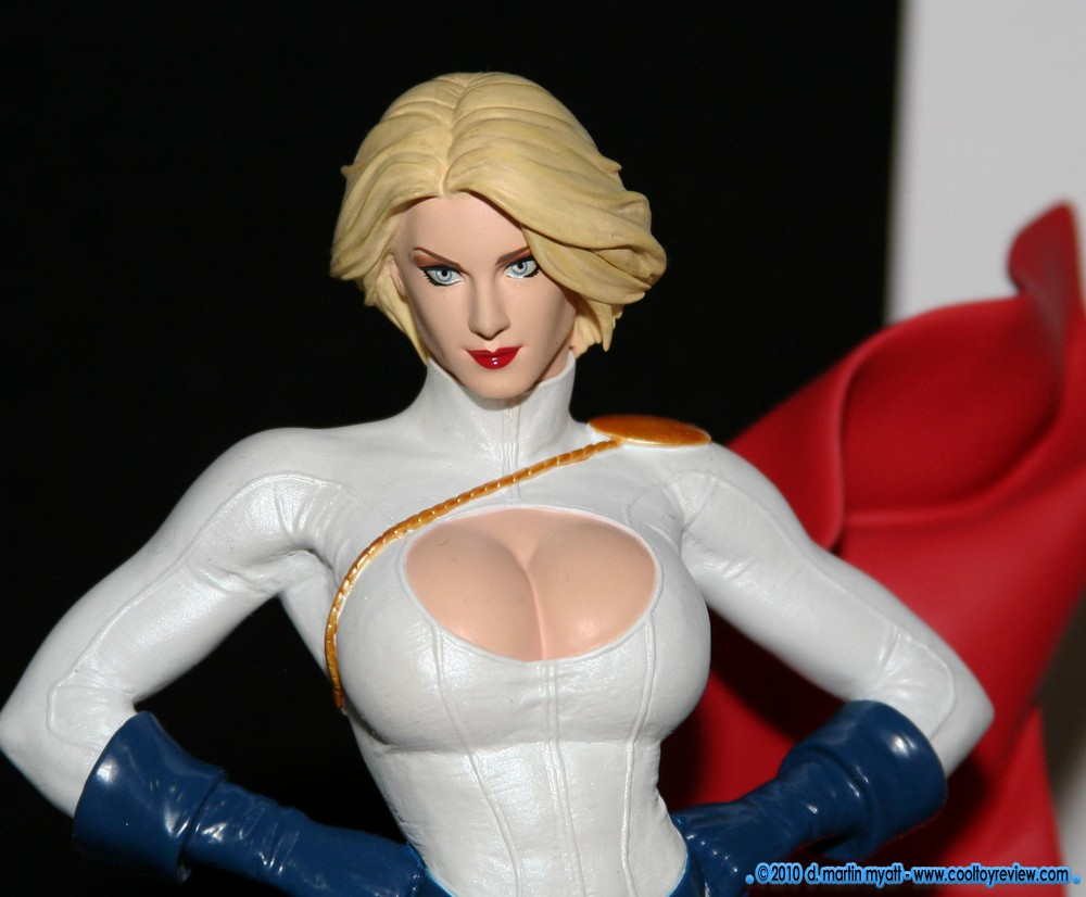 COVER  GIRLS  OF  THE  DC UNIVERSE : POWER  GIRL IMG_7631