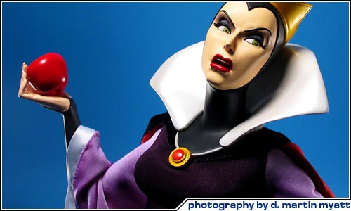 COOL TOY REVIEW: Sideshow Collectibles Disney Evil QueenDisney Evil Queen Song